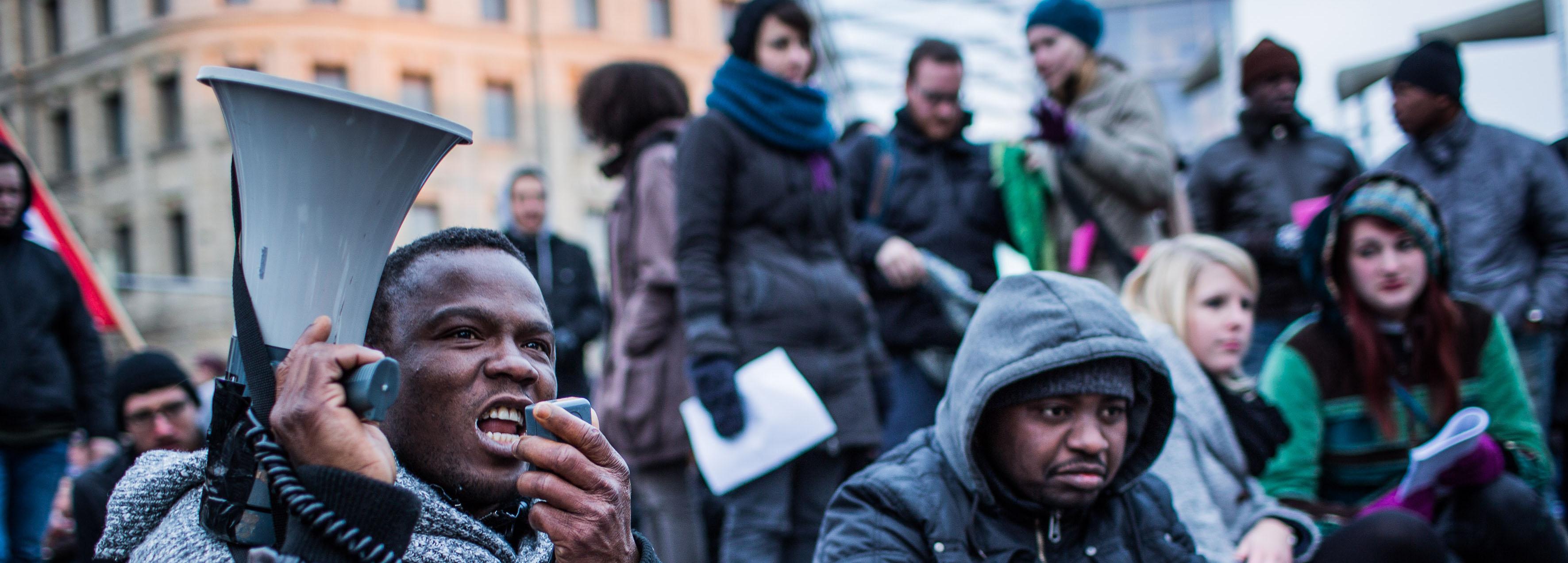 """Bild zur Ausgabe """"Asylpolitik: Wider die Bewegungsfreiheit"""""""