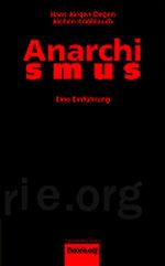 Der Hintergrund des Buchcovers ist komplett in schwarz eingefärbt. Die Schrift (Autor, Verlag, etc.) ist grellrot. Der Titel Anarchismus ist auf zwei Zeilen aufgeteilt. In der oberen steht Anarchi, darunter in fettgedruckten Buchstaben S M U S. Der Untertitel steht in kleinerer Schrift darunter und lautet: Eine Einführung.