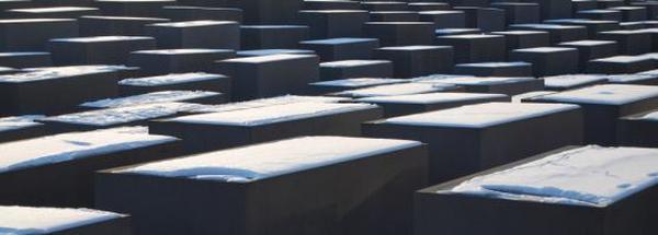 Gedenkpolitik: Zwischen Mythos und Kritik