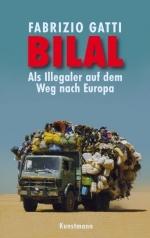 Das Cover zeigt ein Foto, darauf steht der Titel in großen Lettern. Darunter ein schwer mit Menschen, Wasserkanistern und Gepäck beladener alter LKW auf seiner Fahrt durch eine Wüste.